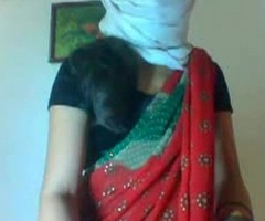 Desi married slim sexy girl dethroning will not hear of saree showing will not hear of sexy body clip0 7920