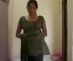 Oversexed indian aunty