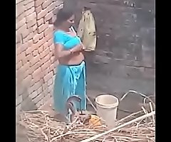 My Neighbour aunty Bathing showing will not hear of big boobs.