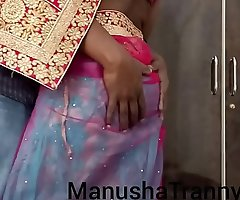 Toss my saree - Escort girl Manusha Receiver being stripped and exposing navel and belly